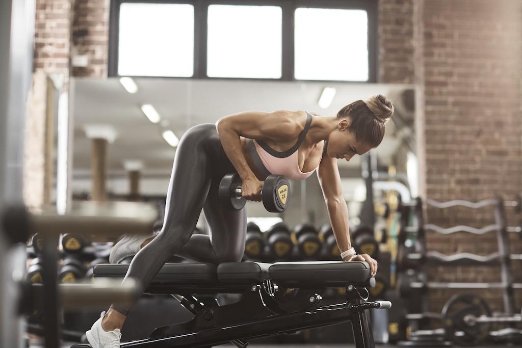women doing biceps workout