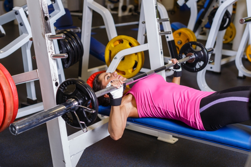 Barbell bench press for woman